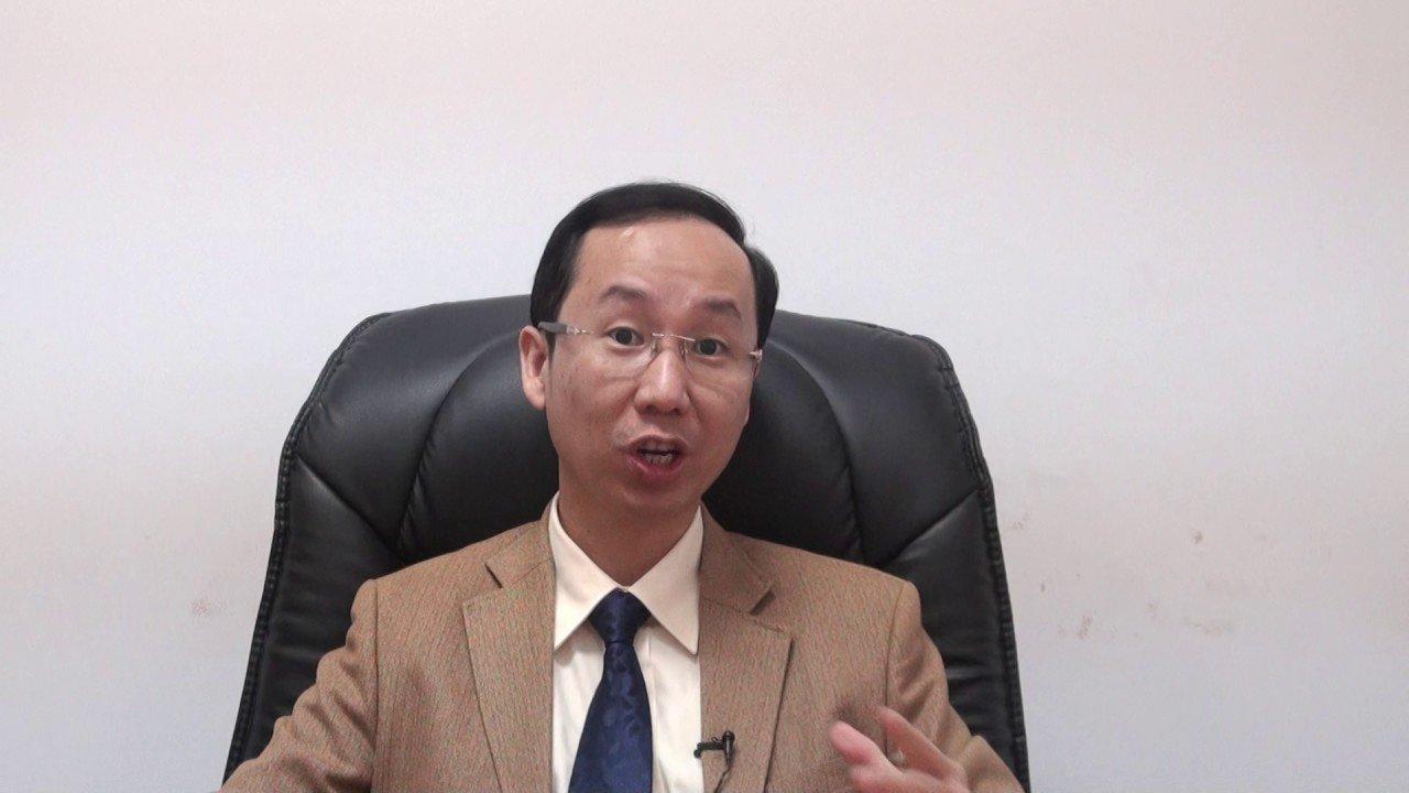 Francis Hùng trở thành giám đốc của nhiều công ty